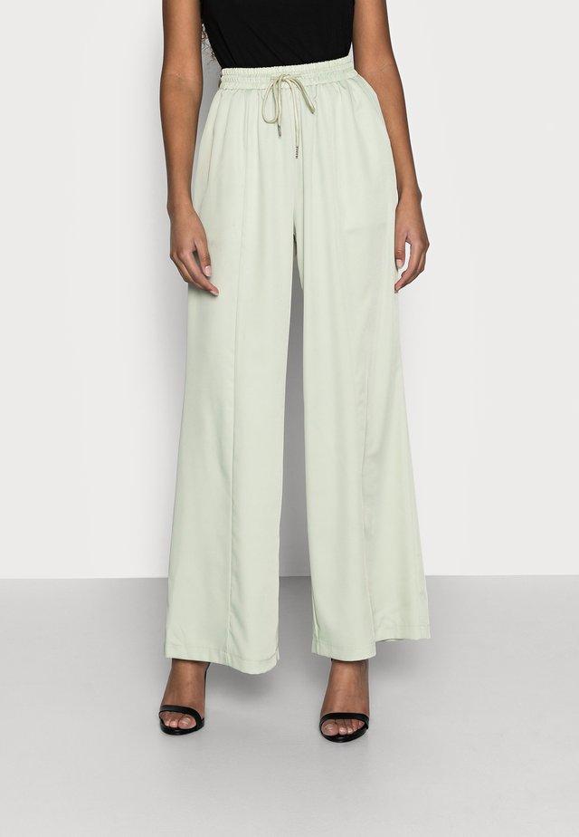 WIDE LEG TROUSER - Pantalon classique - sage