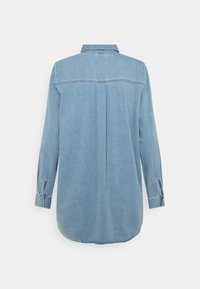 Vero Moda - VMMILA LONG MIX COLOR - Skjorta - light blue denim - 1