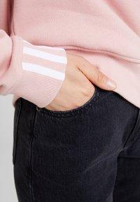 adidas Originals - RETRO LOGO PULLOVER - Sweatshirt - pink spirit - 4
