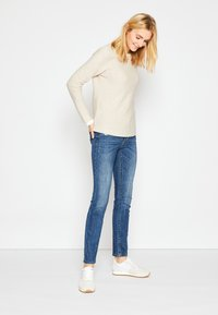 TOM TAILOR - SWEATER NEW OTTOMAN - Pullover - dusty alabaster melange - 2