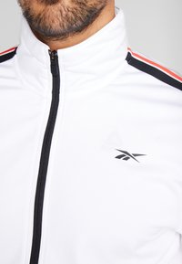 Reebok - WORKOUT READY TRAINING LONG SLEEVE T-SHIRT - Maglietta a manica lunga - white - 5