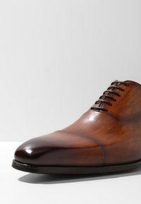 Magnanni - Smart lace-ups - cuero - 5