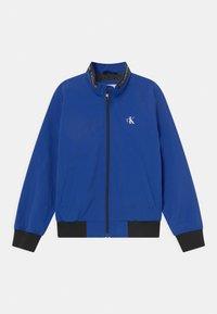 Calvin Klein Jeans - LOGO ELASTIC LIGHT - Blouson Bomber - blue - 0