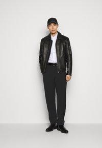 Emporio Armani - Oblekové kalhoty - black - 1