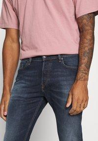 Diesel - D-LUSTER - Slim fit jeans - 009em - 4
