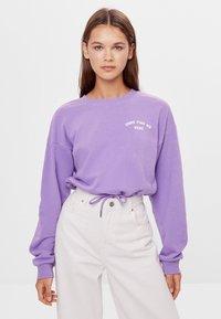 Bershka - MIT SCHLEIFEN - Sweatshirts - mauve - 0