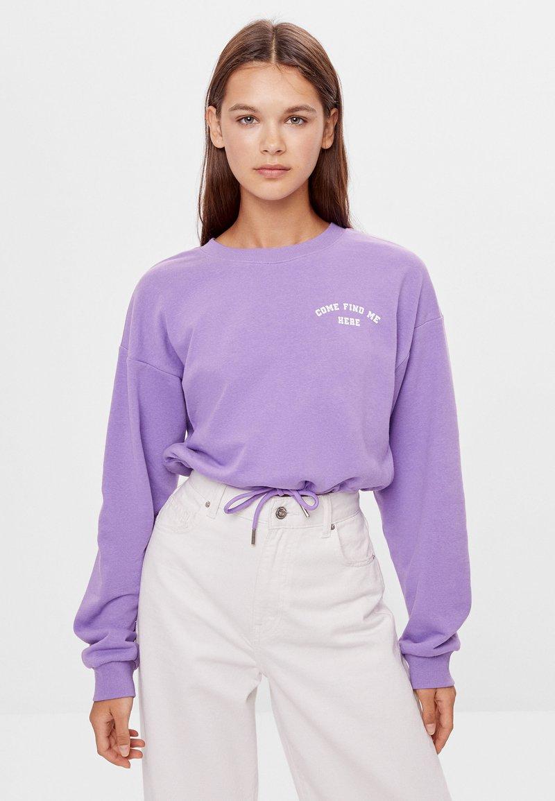 Bershka - MIT SCHLEIFEN - Sweatshirt - mauve