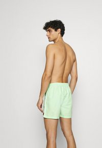 Ellesse - DEM SLACKERS SWIM - Plavky - green - 1