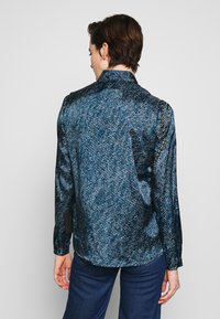 Versace Jeans Couture - Button-down blouse - indigo - 2