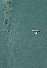Mustang - ALEX HENLEY - T-shirt med print - mallard green - 2