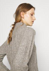 Bruuns Bazaar - AISHA EMILY CARDIGAN - Cardigan - light grey - 4