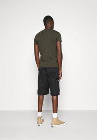 Antony Morato - SUPER SLIM FIT - Basic T-shirt - green - 2