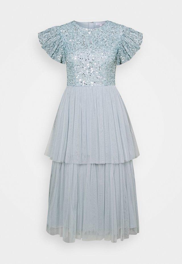 DELICATE SEQUIN TIERED DRESS - Cocktailjurk - glacier blue