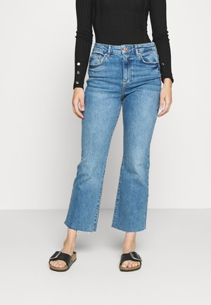 YLVA PETITE - Široké džíny - mid blue