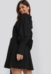 NA-KD - BALLOON SLEEVE - Day dress - black - 2