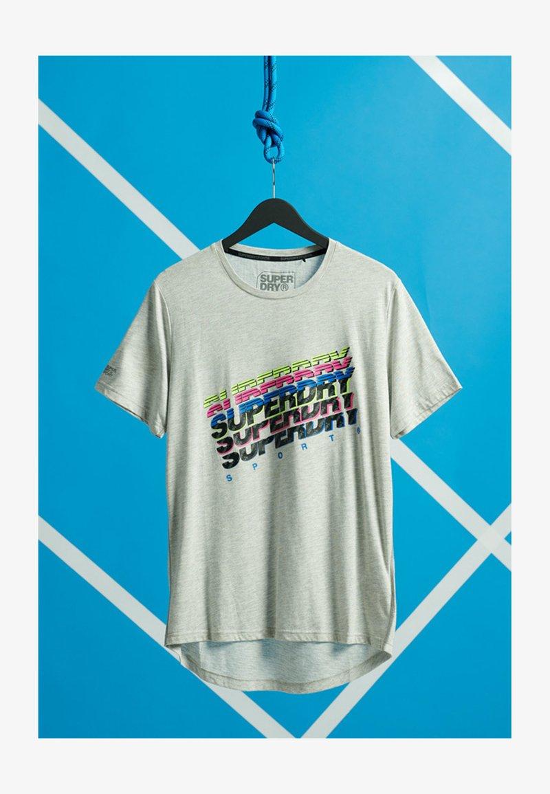 Superdry - GRAPHIC - T-shirt z nadrukiem - light grey marl