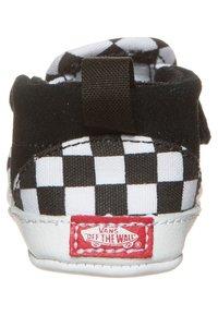 Vans - SLIP-ON V CRIB - Chaussons pour bébé - black/true white - 1