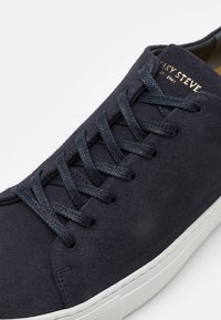 Sneaky Steve - LESS - Trainers - navy - 5