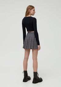 PULL&BEAR - Pleated skirt - black - 2