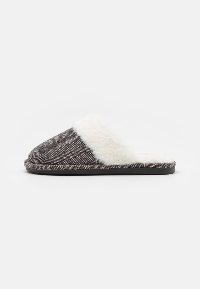 LACHLAN SLIPPERS - Pantoffels - grey