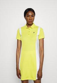 Peak Performance - ALTA BLOCK DRESS SET - Sports dress - citrine/white - 0