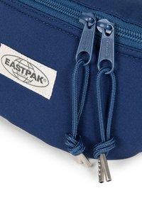 Eastpak - SWEATER LOVE - Bum bag - blue - 4