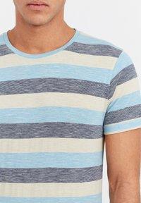 Solid - RUNDHALSSHIRT THICCO - Print T-shirt - light blue - 3