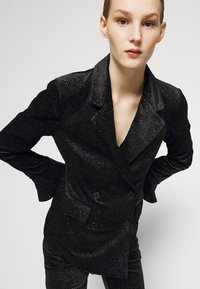 Never Fully Dressed - GLITTER DYNASTY JACKET - Blazer - black - 3