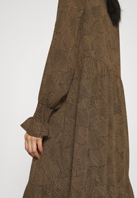 Moss Copenhagen - RIKKELIE DRESS - Day dress - brown - 5