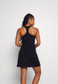 Sweaty Betty - POWER WORKOUT DRESS - Sukienka sportowa - black - 2