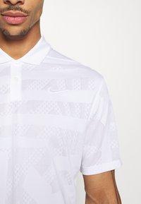 Nike Golf - DRY VAPOR - Funkční triko - white/white - 5