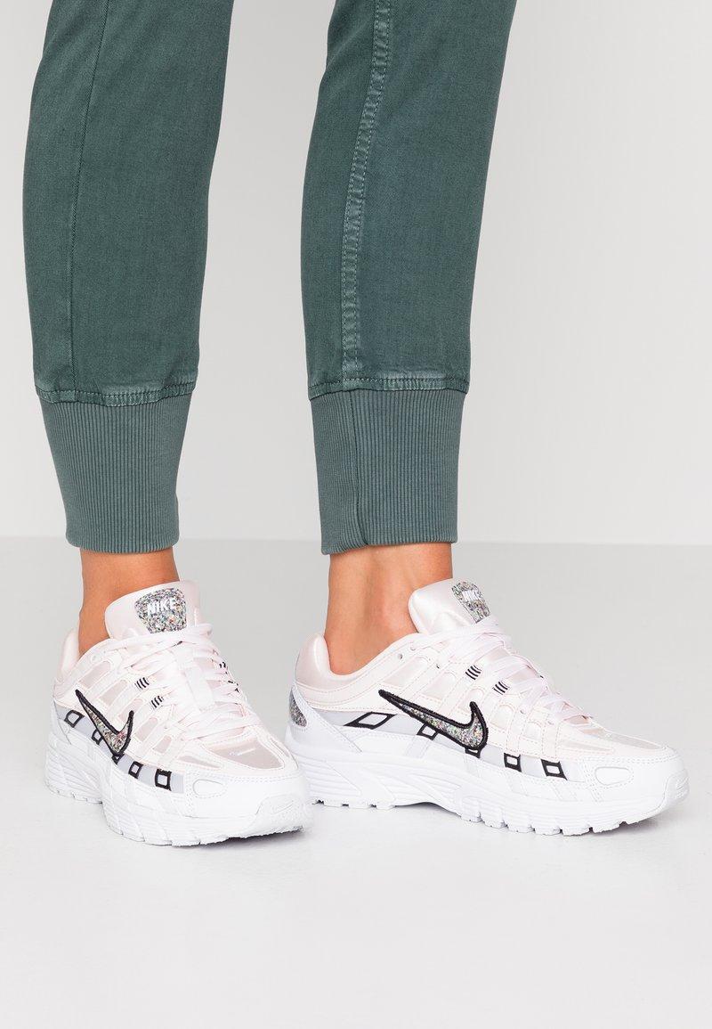 Nike Sportswear - P-6000 SE - Sneaker low - light soft pink/multicolor/white/black