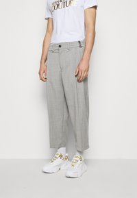 Versace Jeans Couture - TECHNICAL SUITING KAST - Broek - grey - 0