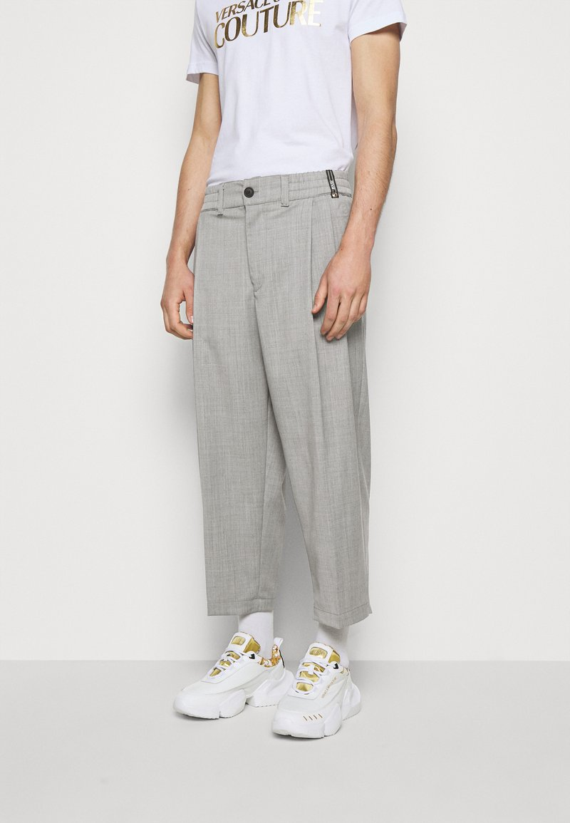Versace Jeans Couture - TECHNICAL SUITING KAST - Broek - grey