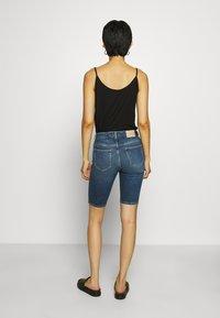 Carin Wester - KATY - Short en jean - light blue - 2
