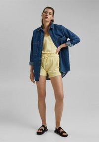 edc by Esprit - Shorts - light yellow - 3