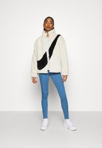 ONLY - ONLKENDELL LIFE  - Jeans Skinny Fit - light blue denim - 1