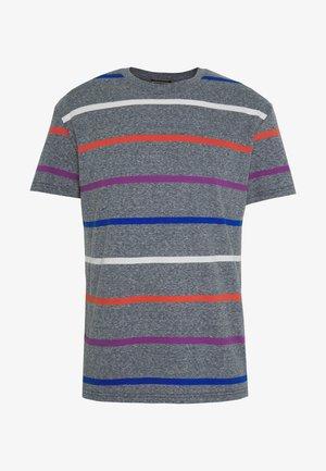 JORRELAXIE TEE CREW NECK - T-shirt z nadrukiem - navy blazer