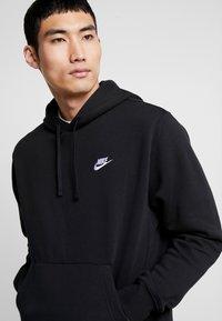 Nike Sportswear - CLUB HOODIE - Felpa con cappuccio - black/white - 3