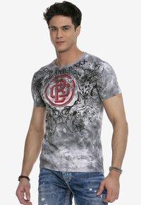 Cipo & Baxx - Print T-shirt - anthracite - 4