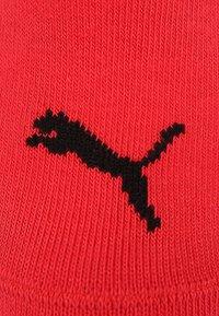 Puma - SNEAKER PLAIN 6 PACK UNISEX - Trainer socks - black/red - 3