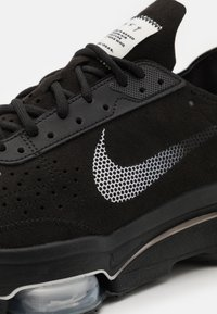 Nike Sportswear - AIR ZOOM TYPE UNISEX - Trainers - black/summit white/black - 5