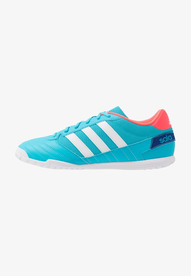 SUPER SALA FOOTBALL SHOES INDOOR - Chaussures de foot en salle - signal cyan/footwear white/signal pink