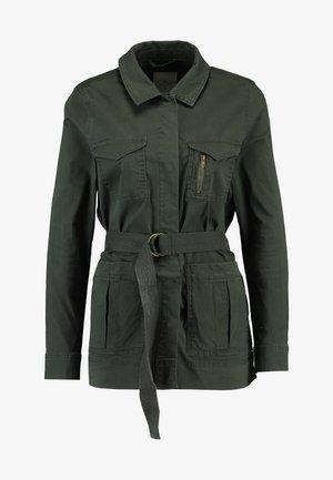 VMKARLA CARGO JACKET - Summer jacket - peat