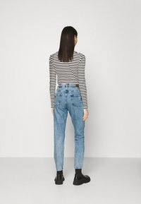 Pepe Jeans - VIOLET - Relaxed fit jeans - denim - 2