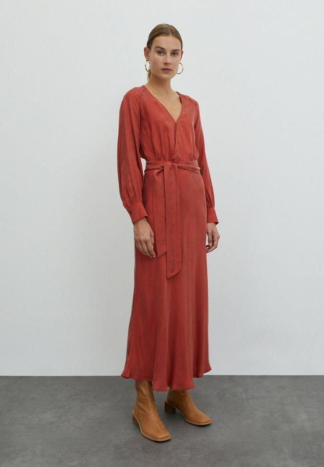 ALENCIA - Korte jurk - orangerot