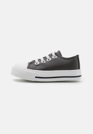 MINI CLASSIC TRAINER UNISEX - Tenisky - rabbit grey