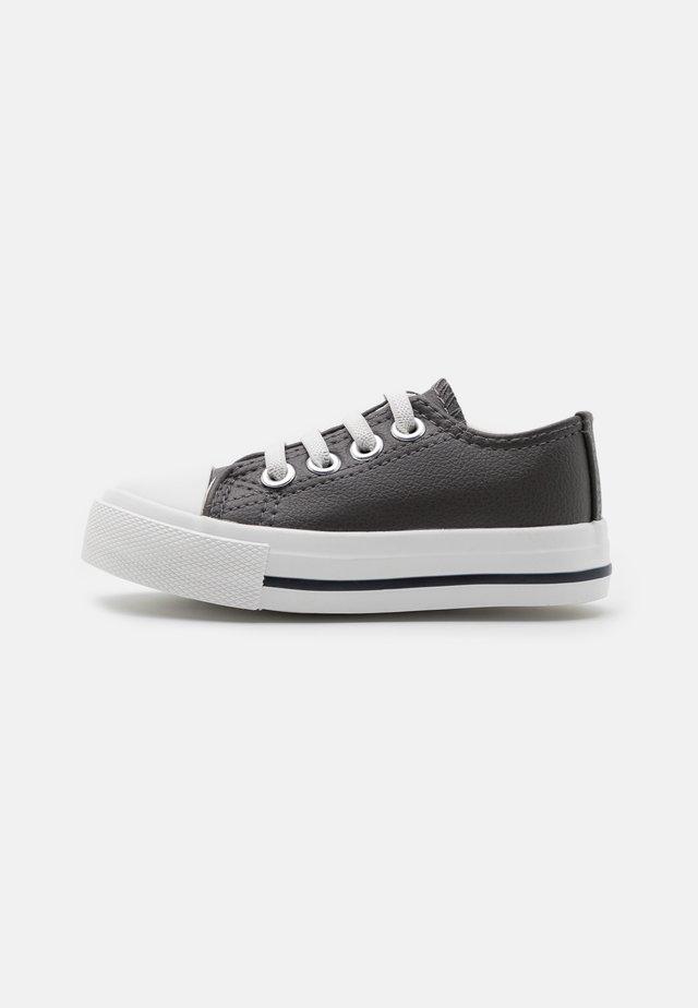 MINI CLASSIC TRAINER UNISEX - Sneakers laag - rabbit grey