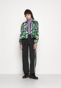 adidas Originals - ORIGINALS TREFOIL MOMENTS WINDBREAKER LOOSE - Training jacket - multicolour - 4