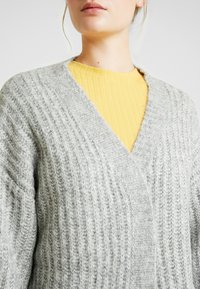 ONLY Tall - ONLCHUNKY 7/8 CARDIGAN - Cardigan - light grey melange - 5